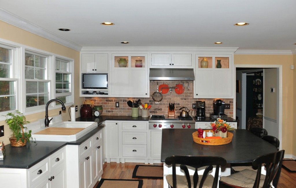Custom kitchen cabinets maryland cabinets a cut above inc for Beach kitchen cabinets